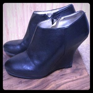 Nine West black leather wedge ankle boots